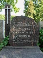 Grób Antoniny Leśniewskiej na Starych Powązkach.