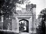 Brama w roku 1947.
