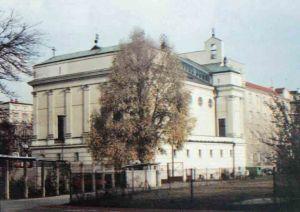 """Kościół konsekrowano 5 czerwca 1995 roku dokładnie o 18.30, Źródło: """"Parafia na Sadach"""""""