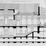 Przekrój budynku z widokiem na parter oraz I piętro. Widoczny hol wejściowy, reprezentacyjna klatka schodowa oraz sala balowa i ogród zimowy na I piętrze.