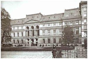 Pałac Kronenberga - Widok fasady Pałacu przed rokiem 1939 od strony Placu Małachowskiego
