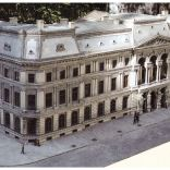 Widok modelu Pałacu z Parku Miniatur Województwa Mazowieckiego