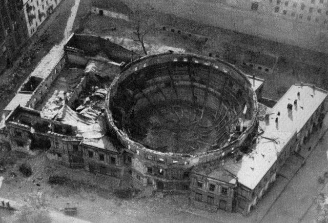 Ruiny cyrku we wrześniu 1939.