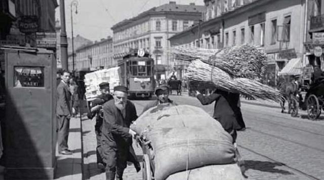 Ulica Nalewki w latach trzydziestych XX wieku.