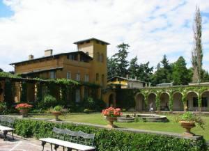 Inspiracją dla Lanciego był dom ogrodnika w parku Sanssouci w Poczdamie zaprojektowany przez K.F Schinkel'a dla króla Prus.