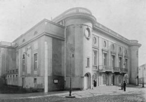 Fasada Teatru Polskiego w 1913 roku.