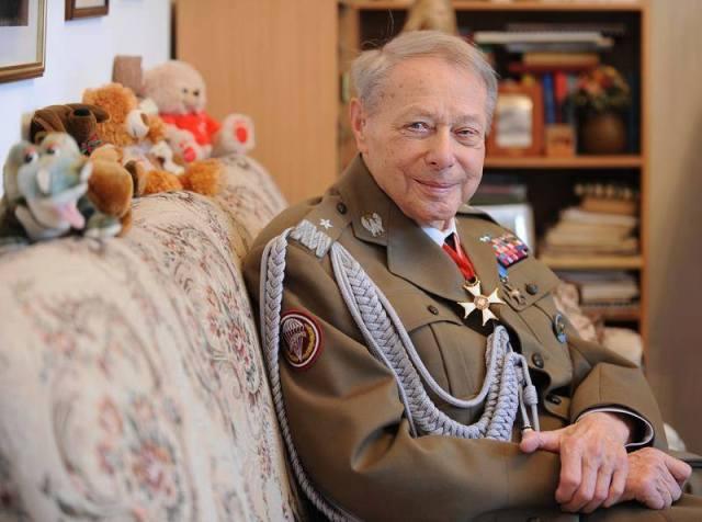 """Generał Janusz Brochwicz Lewiński """"Gryf""""."""