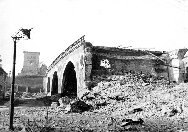 Zburzony wiadukt Pancera.