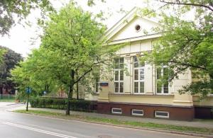 Widok od ulicy Sierakowskiego