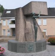 Plac Polski w Driel. Pomnik polskich spadochroniarzy.