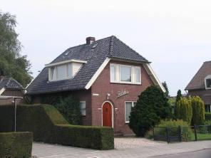 """W Holandii panuje zwyczaj nadawania nazw, """"imion"""" domom. Ten holenderski dom w Driel nosi imię """"Polska""""."""