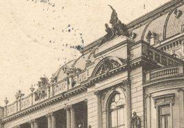 Eklektyczny wystrój uzupełniały liczne rzeźby, autorstwa Stanisława. Lewandowskiego i Władysława Mazura.2