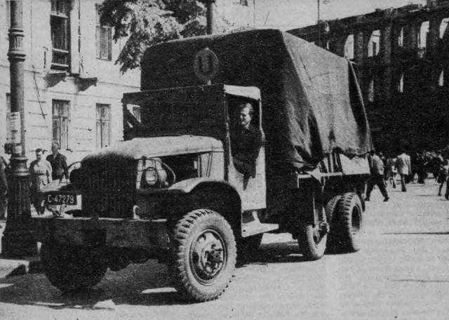 Amerykański Dodge jeździł na linii U - Plac Trzech Krzyży - Plac Narutowicza.