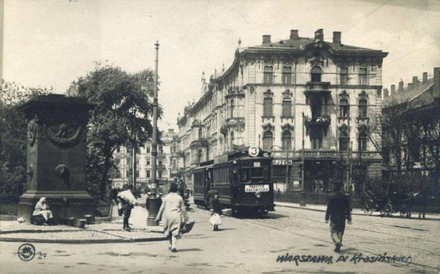 Linia numer 3. Pierwsza zelektryfikowana w Warszawie. Tramwaj na Placu Krasińskich.