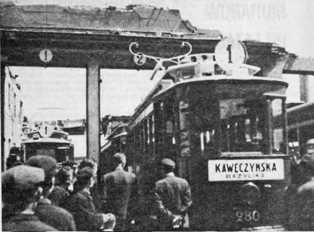 Pierwszy tramwaj na Pradze.