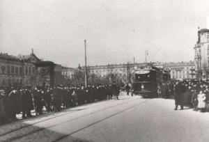 Plac Krasińskich. Próby przed otwarciem pierwszej linii tramwaju elektrycznego. Marzec 1908 roku. Zdjęcie ze zbiorów mkm101 pochodzi ze strony http://tramwar3.republika.pl/