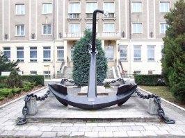 Kotwica z ORP Bałtyk jako Pomnik Marynarzom Polskiej Marynarki Handlowej w Gdyni. Foto: Joymaster