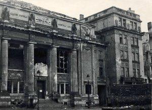 Biblioteki i Muzeum Ordynacji Krasińskich w roku 1945
