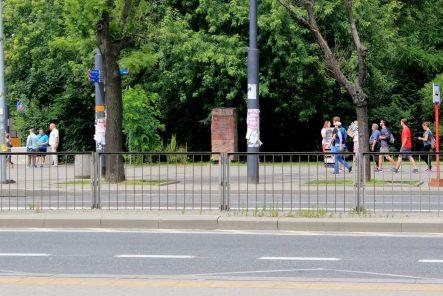 Niedaleko soboru Świętej Równej Apostołom Marii Magdaleny, naprzeciwko Liceum imienia Władysława IV znajduje się obelisk upamiętniający rodzinę Fedorońko.