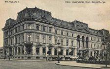 Pałac Leopolda Kronenberga znajdował się u zbiegu ulicy Królewskiej i placu Małachowskiego.
