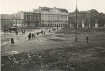 """Hotel """"Polonia"""" przetrwał bez większych uszkodzeń."""